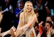 the-voice-past-winners-danielle-bradbery