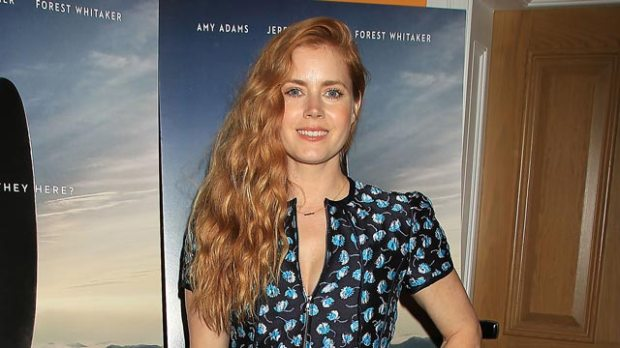 amy-adams-arrival-red-carpet