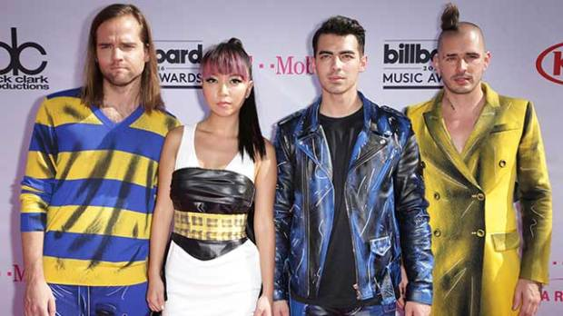 dnce joe jonas american music awards amas 2016