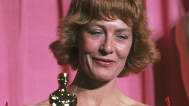 """Vanessa Redgrave winning Best Supporting Actress for """"Julia"""" Award Shows Political Speeches"""