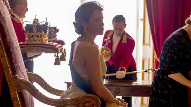 claire foy the crown elizabeth ii
