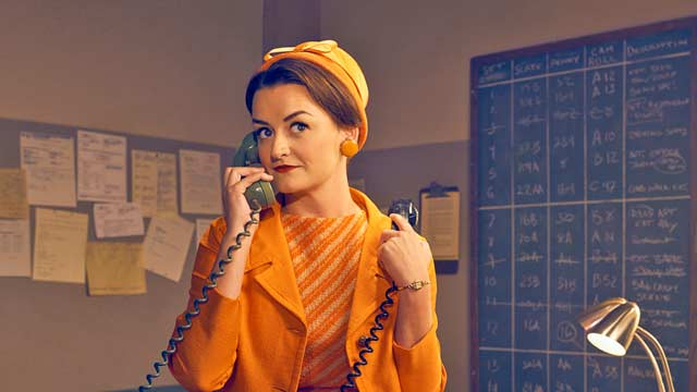 Feud: Bette and Joan Star Alison Wright on Paulines Directing Dreams