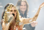 Season 4: Carrie Underwood Every 'American Idol' winner (Seasons 1-15) Who out sung the competition?