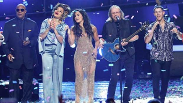 Stayin-Alive-Grammy-Tribute-Bee-Gees