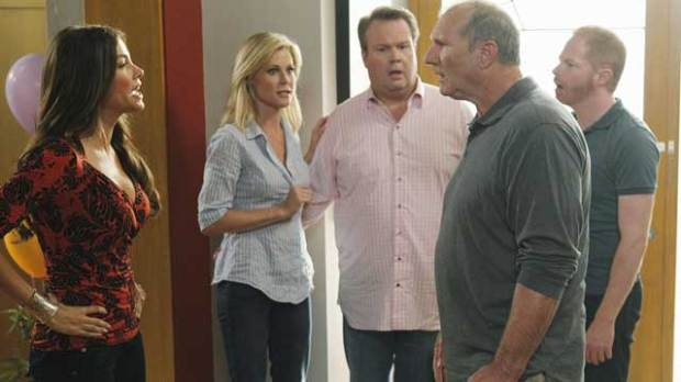 emmy modern family comedy series