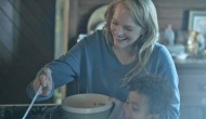 elisabeth-moss-the-handmaids-tale-episode-6