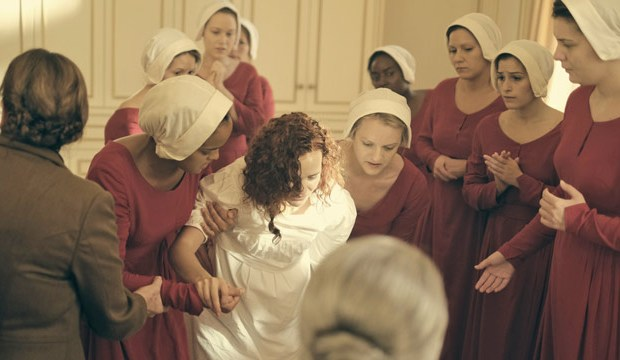 the-handmaids-tale-costumes