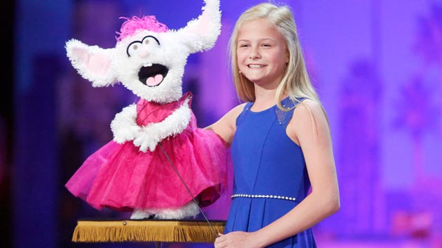Americas Got Talent Christmas.Darci Lynne Farmer And Petunia Wish Agt Fans A Merry Christmas