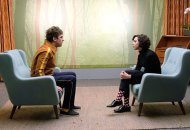 "Dan Stevens as David Haller & Aubrey Plaza as Cornflakes Busker in ""Chapter 6"""