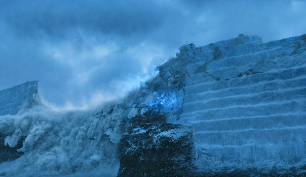 game-of-thrones-finale-season-7-dragon-destroys-wall
