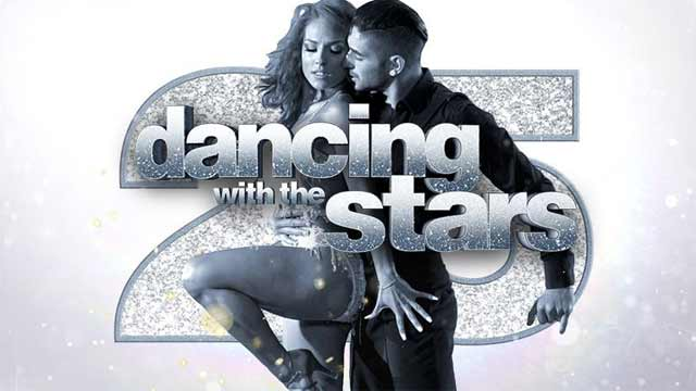 Whos dating who on dancing with the stars 2019 roster
