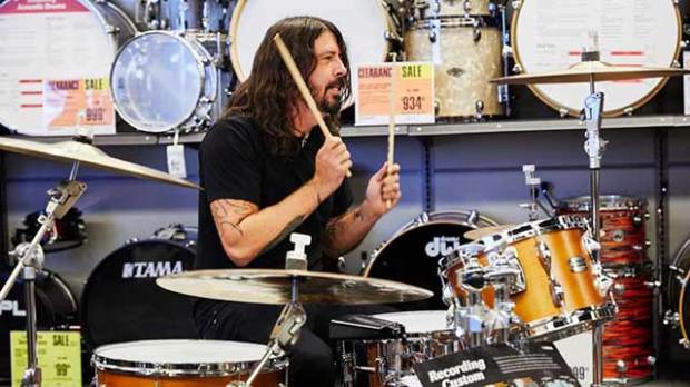foo fighters dave grohl late late show