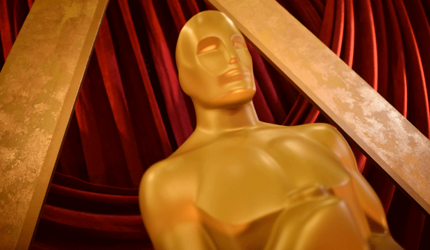 Oscar-trophy-statuette-atmosphere