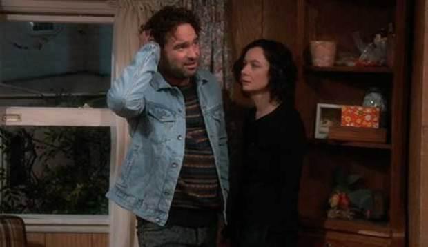 Roseanne-Johnny-Galecki-Sara-Gilbert