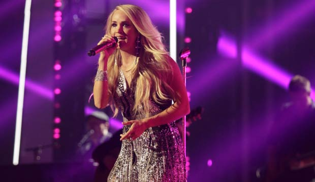 Carrie Underwood ACM 2018