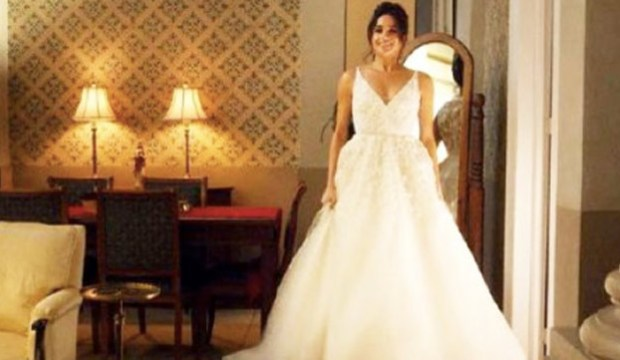 Markle Wedding Dress.Tv S Best Wedding Dresses From The Last 25 Years Include Meghan