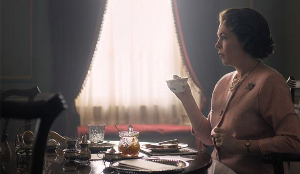 Olivia-Colman-The-Crown-Season-3-Queen-Elizabeth-II