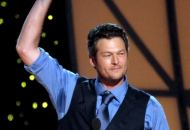 blake-shelton-cma-entertainer-of-the-year
