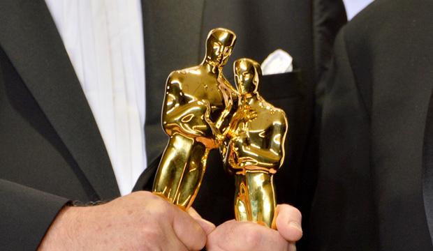 Oscar statuette trophy 41 atmosphere