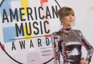 Taylor Swift at the AMAs 2018