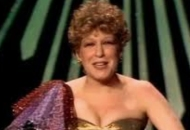 Bette-Midler-Oscars-Best-Song-1982
