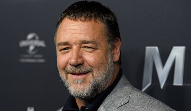 Russell Crowe curses out the Oscars for shunting 4 categories to commercial breaks
