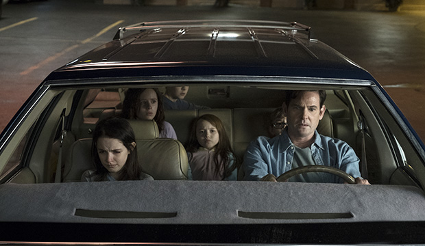 Emmy Spotlight The Haunting Of Hill House Deserves Limited Series Bid Goldderby