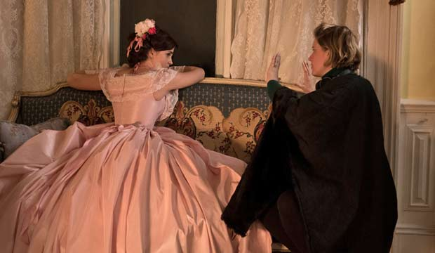 Greta Gerwig directs Little Women