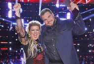 kelly-clarkson-jake-hoot-wins-the-voice