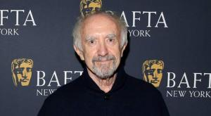 Jonathan-Pryce-The-Two-Popes