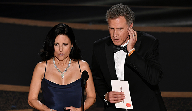 Julia Louis-Dreyfus and the 'Parasite' team were mutually starstruck by each other at the Oscars [WATCH]