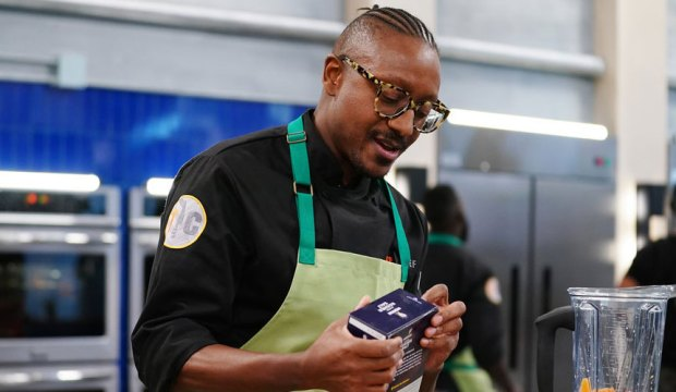 """TOP CHEF -- """"It's Like They Never Left!"""" Episode 1701 -- Pictured: Gregory Gourdet -- (Photo by: Nicole Weingart/Bravo)"""