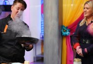 """TOP CHEF -- """"You're So Fresh!"""" Episode 1704 -- Pictured: (l-r) Lisa Fernandes, Kelly Clarkson -- (Photo by: Nicole Weingart/Bravo)"""