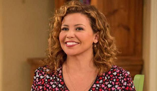 Best-TV-Moms-One-day-at-a-time-Justina