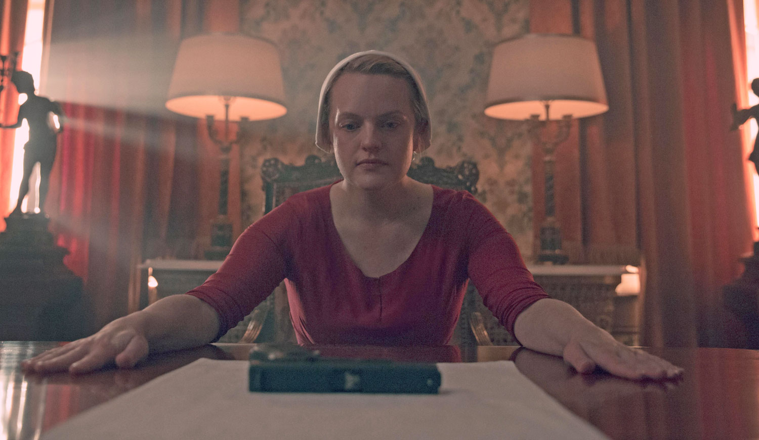 'The Handmaid's Tale' Emmy submissions: 35 entries include Elisabeth Moss, Yvonne Strahovski and 15 other actors