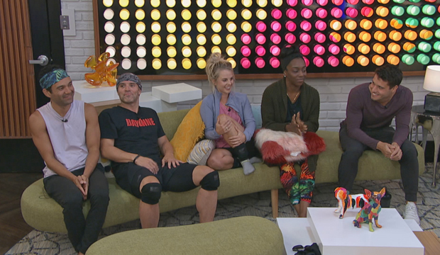 bb22 cast couch
