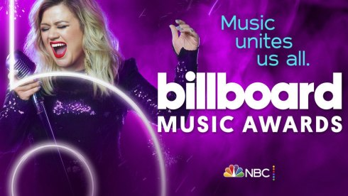 Kelly Clarkson hosts the 2020 Billboard Music Awards