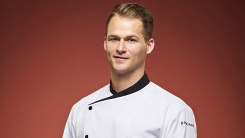 Josh Oakley hells kitchen season 19 cast
