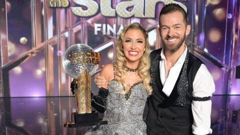 Kaitlyn Bristowe wins Mirror Ball Trophy with Artem Chigvintsev on Dancing with the Stars