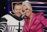 Donnie Wahlberg Cluedle-Doo the masked singer reveals
